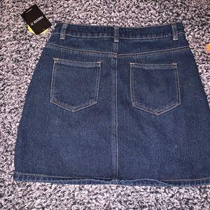 Forever 21 Skirts - 🔴FOREVER 21 DENIM MINI SKIRT SIZE SMALL NWT